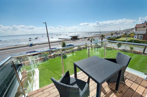 Hotels accommodation near southend on sea centre for 1 royal terrace southend on sea