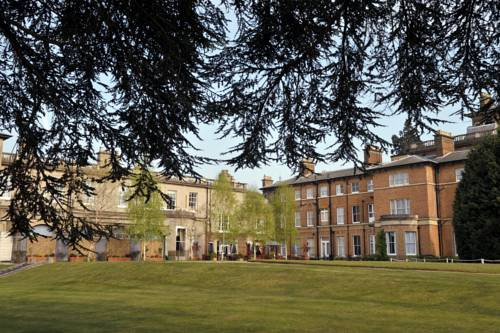 Photo of Oatlands Park Hotel