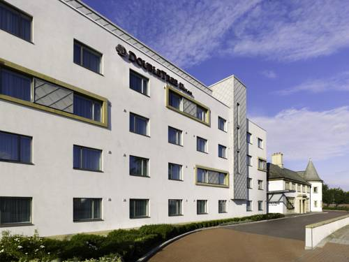 DoubleTree by Hilton London Heathrow Airport in