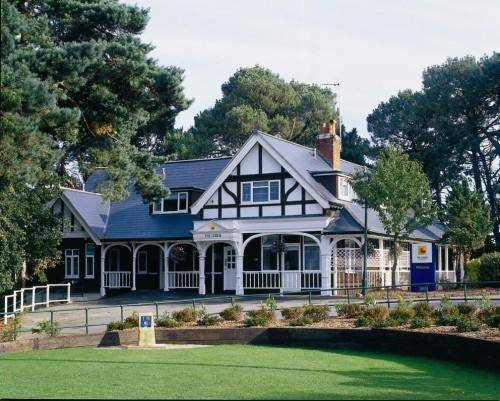 The Lodge At Meyrick Park Guest House in Bournemouth