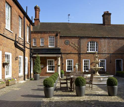 Mercure Farnham Bush Hotel in