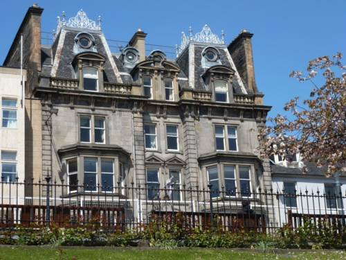 Royal Overseas League Hotel in Edinburgh