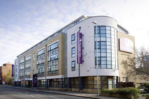 Premier Inn London Kew in