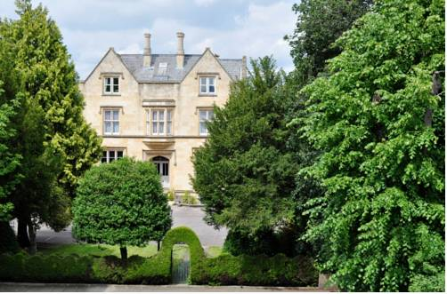 Cotswold Grange in Cotswolds