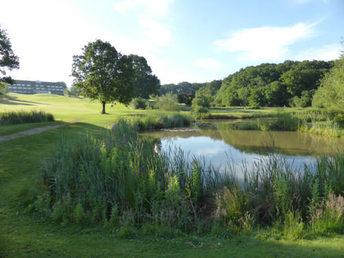 London Beach Country Hotel, Golf Club and Spa