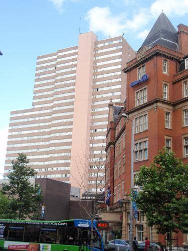 Victoria Centre Apartments and Annexe
