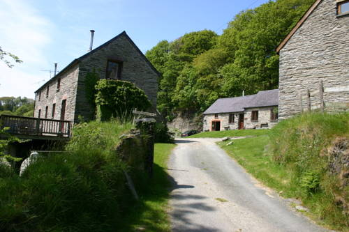 Troedyrhiw Holiday Cottages in