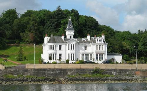 Hunters Quay Hotel in Scotland