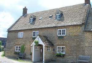 White Horse Inn in Cotswolds