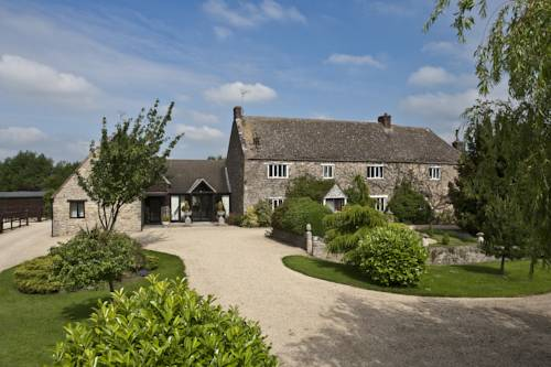 Swinford Manor Farm B and B in Cotswolds