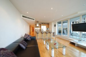 Little Rates Chelsea Harbour Apartments in