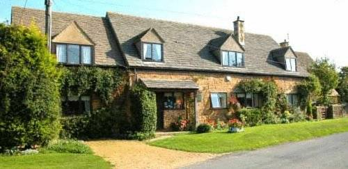 Folly Farm Cottage in Cotswolds