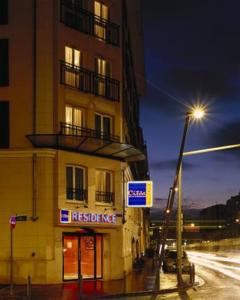 Hotels accommodation near paris orly airport for Apart hotel maison alfort