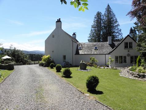 Auchterawe Country House in Scotland