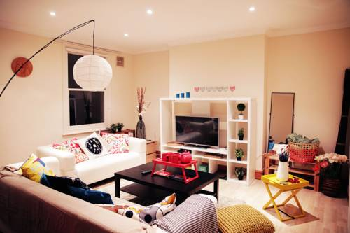 Family 3 Bedroom Home in Maida Vale