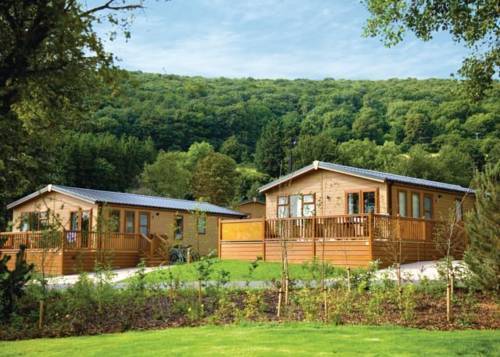 Cheddar woods resort and spa in cheddar somerset bs27 - Cheddar gorge hotels with swimming pools ...