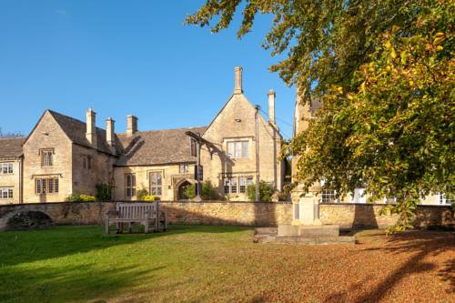 The Shaven Crown Hotel in Cotswolds