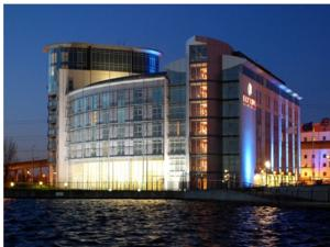 Ramada Hotel and Suites London Docklands in London