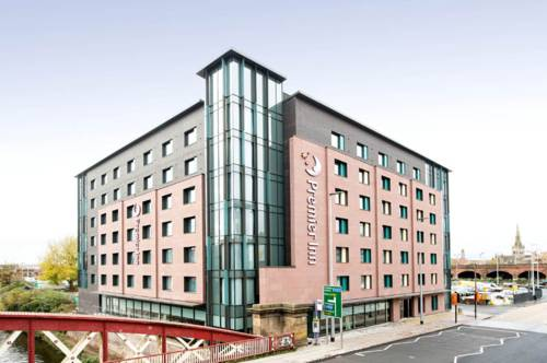 Premier Inn Manchester Salford Central in Manchester