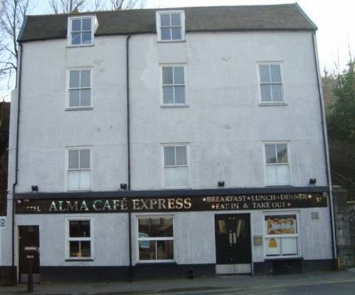 Hostel Alma and Cafe Express in Dover