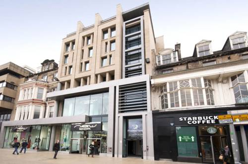 Premier Inn Edinburgh Princes Street