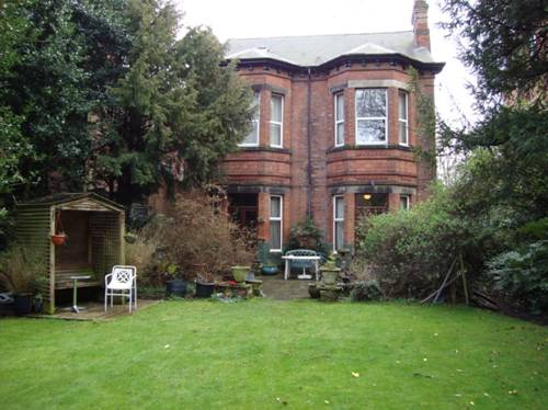 Elm Bank Lodge Guest House in Nottingham