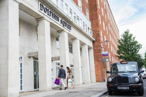 Dolphin House Serviced Apartments in London