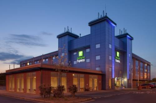 Holiday Inn Express Oxford Kassam Stadium in Oxford