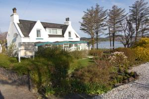 Waterside Cottage - Broadford in Scotland
