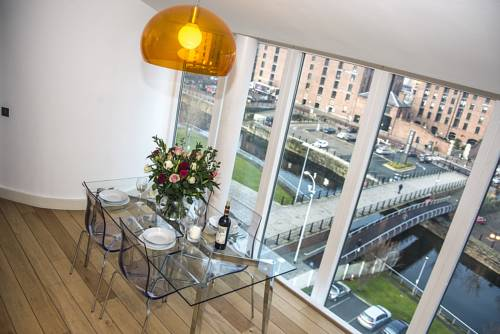 Base Serviced Apartments - The Docks in Liverpool
