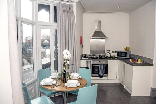 Base Serviced Apartments - City Road in Chester
