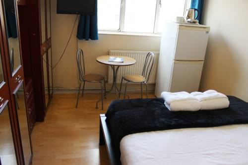 Commercial Rd Homestay in London