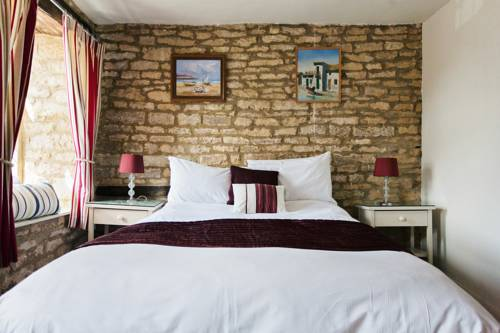 The Kings Arms Hotel in Cotswolds