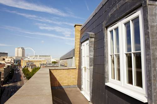 Southwark Penthouse Serviced Apartment in London