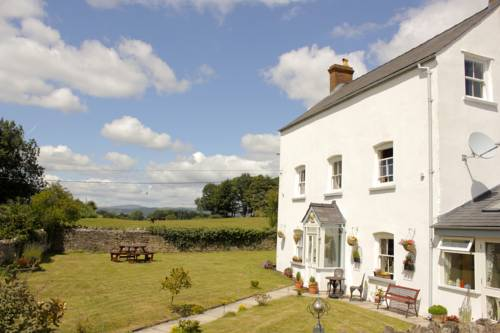 Llansabbath Country House BandB