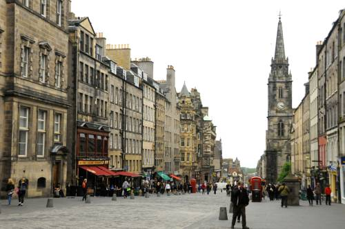 Stay Edinburgh City Apartments - Royal Mile in Edinburgh