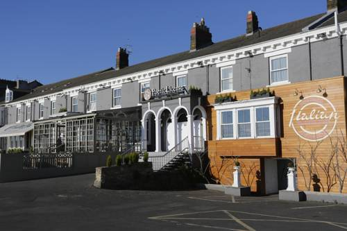 Hotels accommodation near the university of sunderland for Chaise guest house roker sunderland