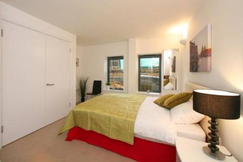 Cromwell Road Apartments