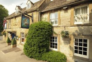 Unicorn Aparthotel Suites in Cotswolds