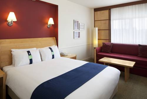Holiday Inn Guildford in 