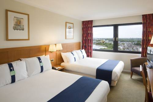 Holiday Inn Edinburgh City West in Edinburgh