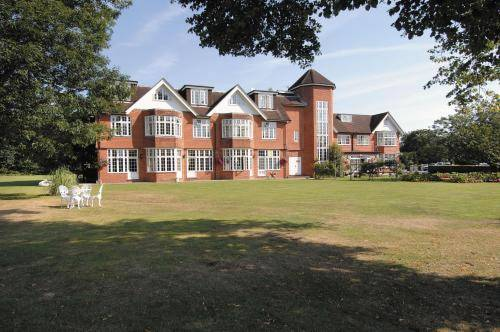 Grovefield House Hotel in