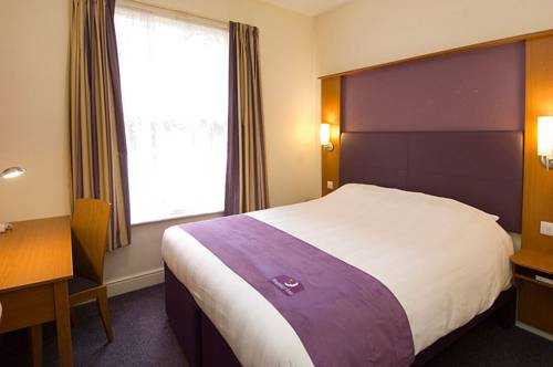 Premier Inn Manchester Airport South