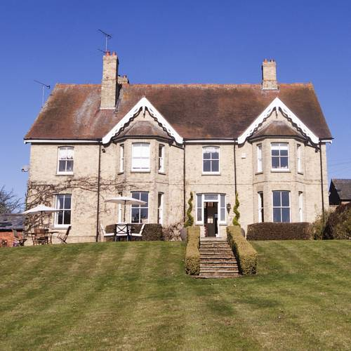Lodge Farm Bed and Breakfast in Luton