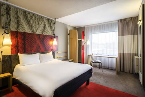 ibis London Gatwick Airport