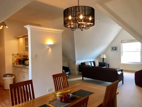 Bradford Views Apartments Sleeps Four People