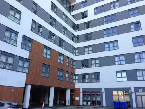 LINX Apartments Skyline Plaza