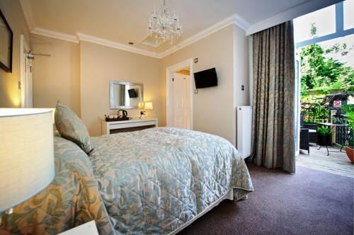 Lennox Lea Hotel and Apartments