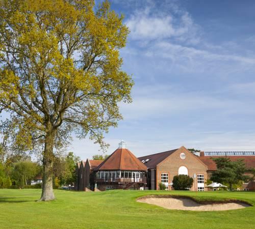 Ashford Lakes Apartments: Tudor Park Marriott Hotel And Country Club