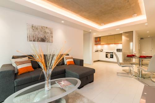 ILiving Apartments near Excel & O2